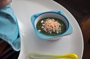 idée de purée bébé de brocolis, épinars et maïs avec le Nutribaby de Babymoov
