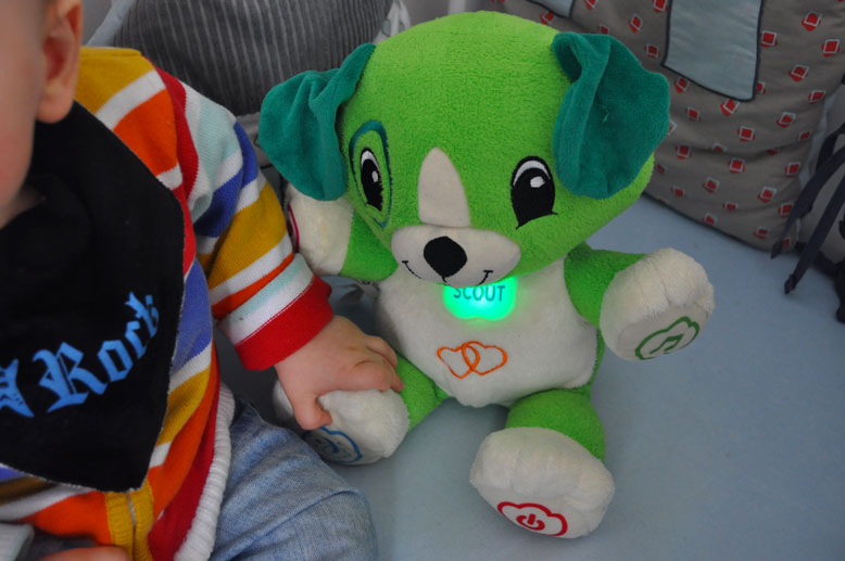 Scout la peluche high tech de Leapfrog