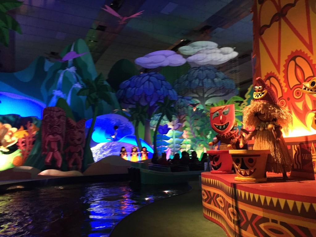 small world Disneyland Paris