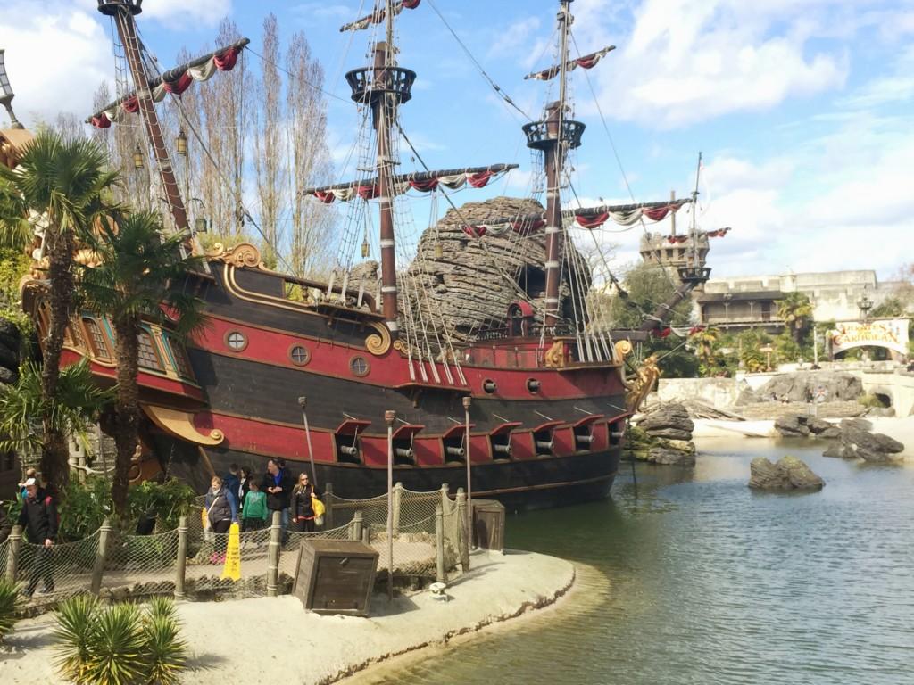 bâteau des pirates Disney