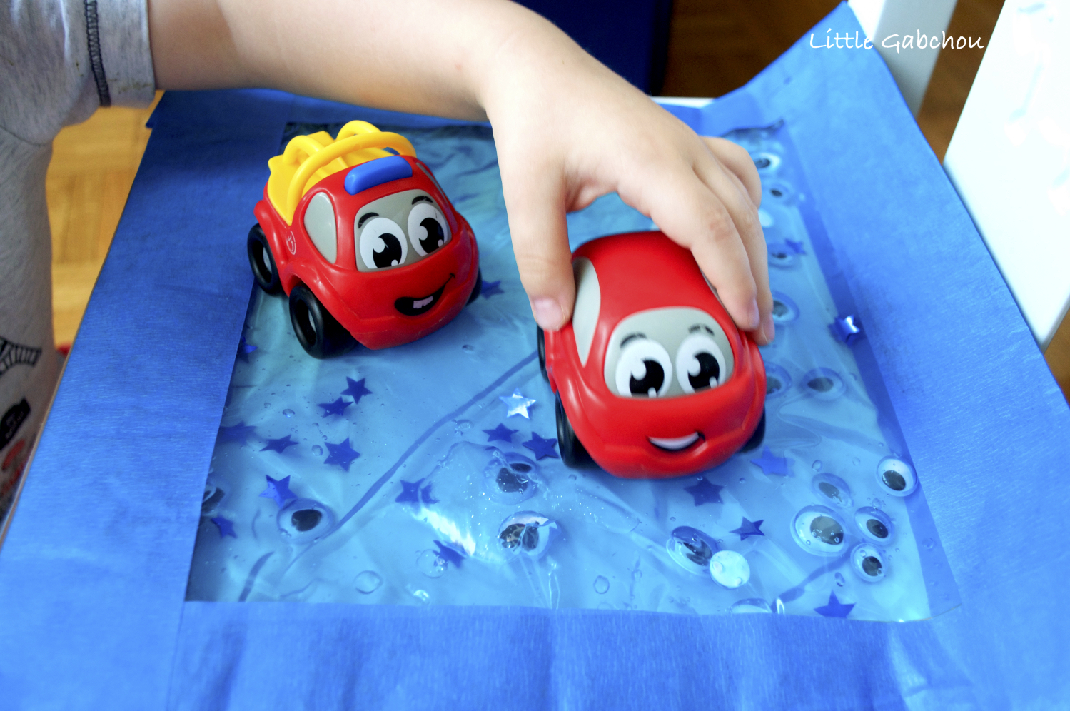 sac sensoriel sensory bag googly eyes