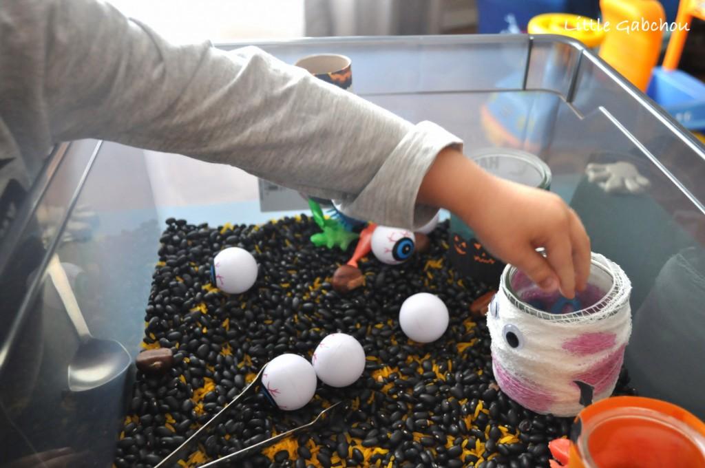 bac sensoriel activité montessori