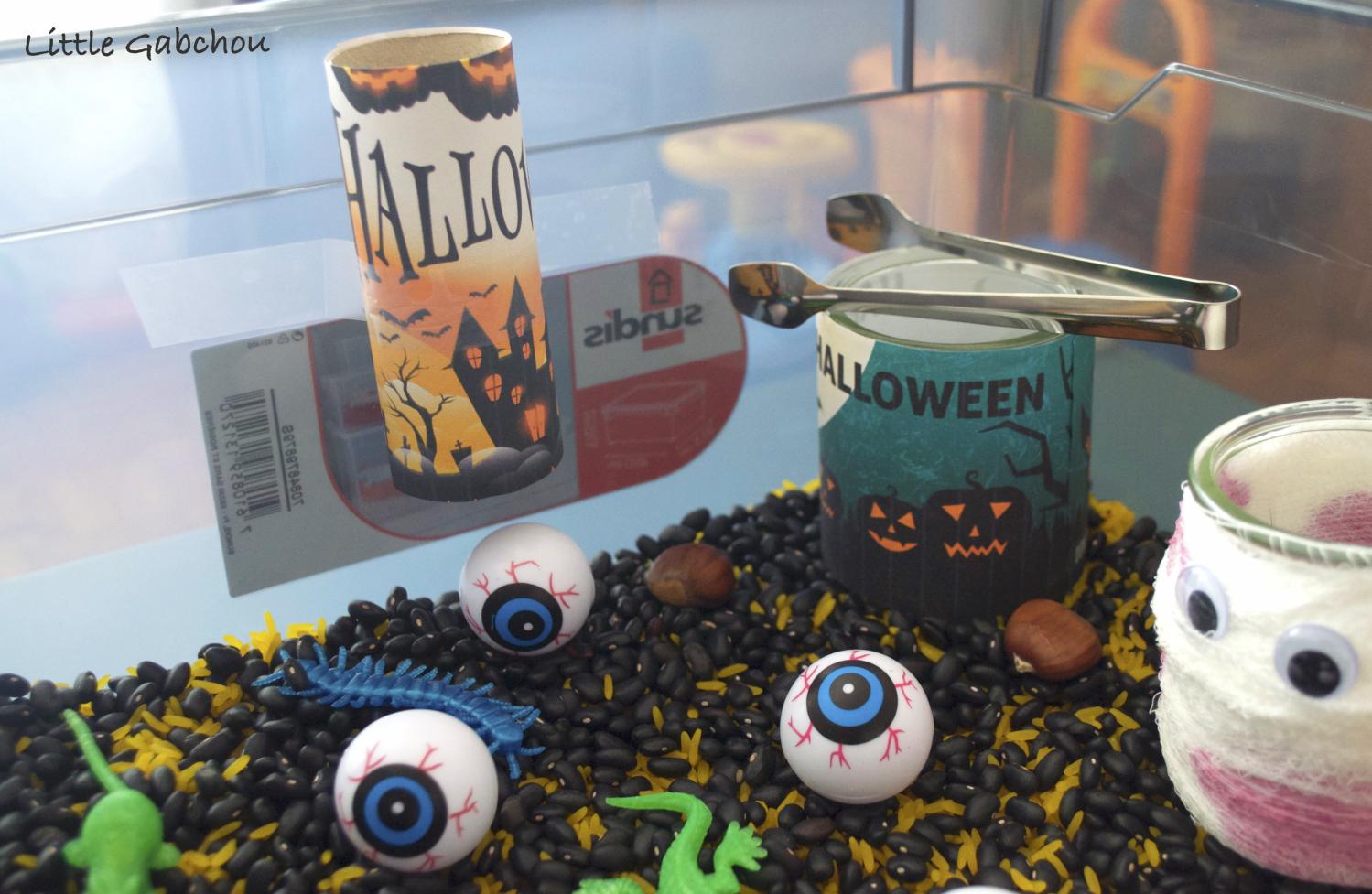 bac sensoriel halloween activité pour enfants 2 ans