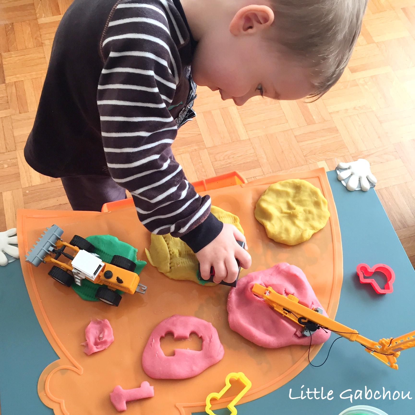 Fabriquer Sa Pate A Modeler Maison Comme Le Play Doh Du Magasin