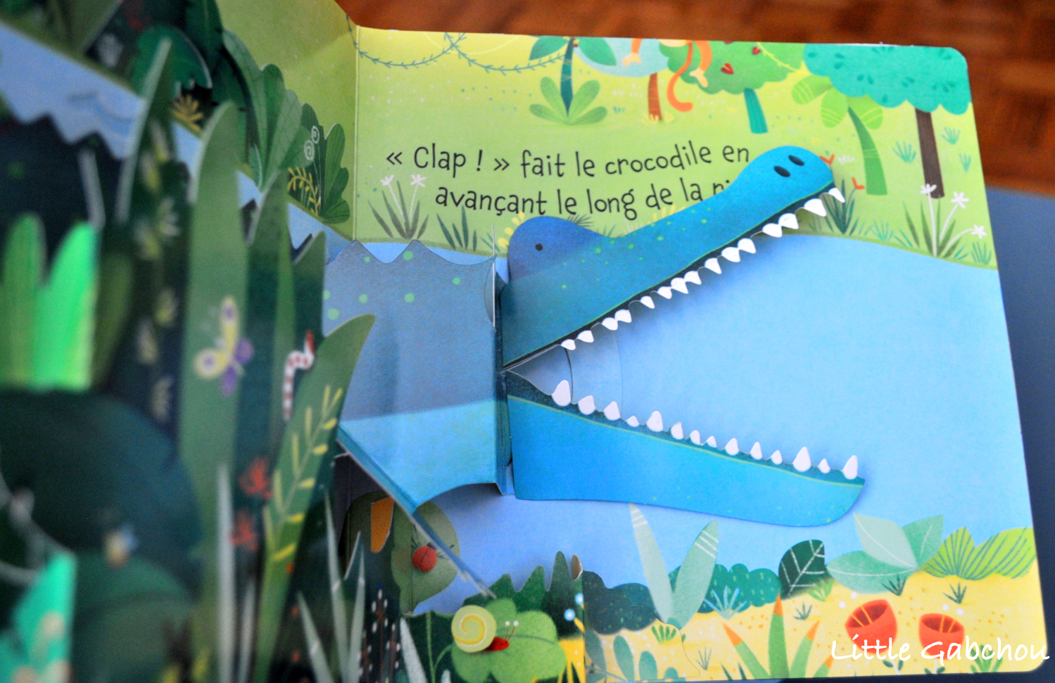 livre pop up la jungle usborne crocodile