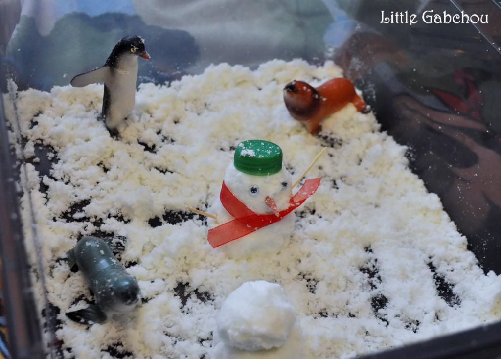 bac sensoriel avec neige fait maison