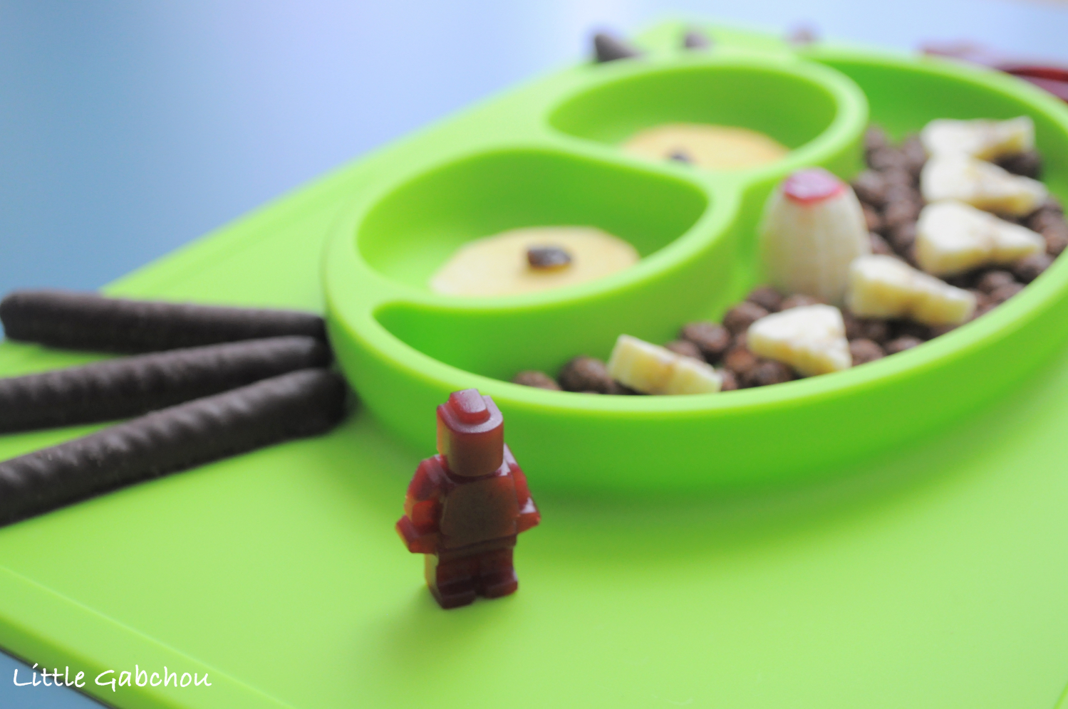 EzPz fun design assiette silicone et test