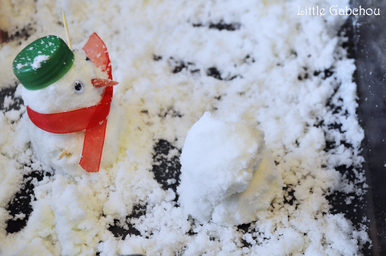 Activit sensorielle avec de la neige fabriqu e maison - Activite a la maison ...