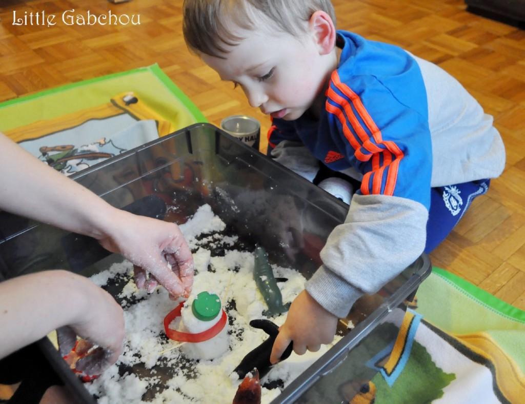 jeu bac sensoriel activité sensorielle