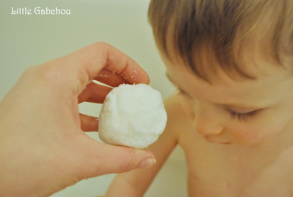 activité sensoriel pour le bain la neige maison