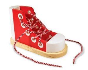 chaussure à lacer idée cadeau montessori