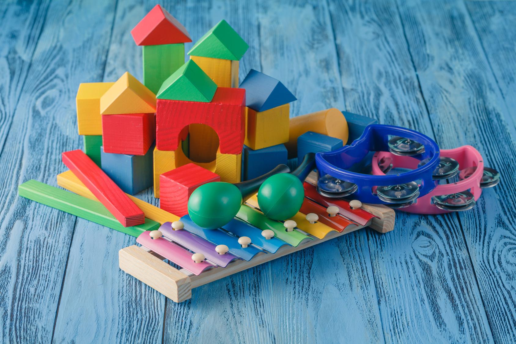Idées cadeaux Montessori pour enfants de 18 mois à 3 ans