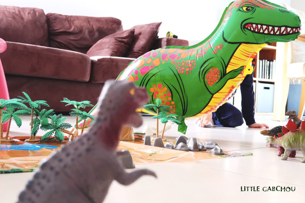 ballons géants pour anniversaire dinosaures