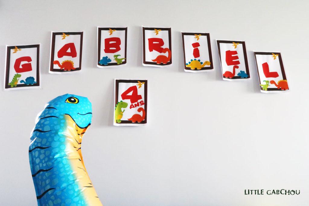 décoration pour un party d'anniversaire dinosaures