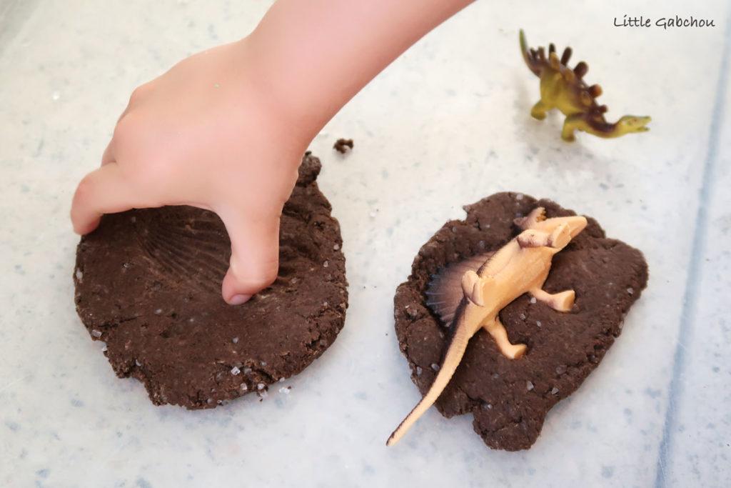 faire des fossiles maison activité pour enfants