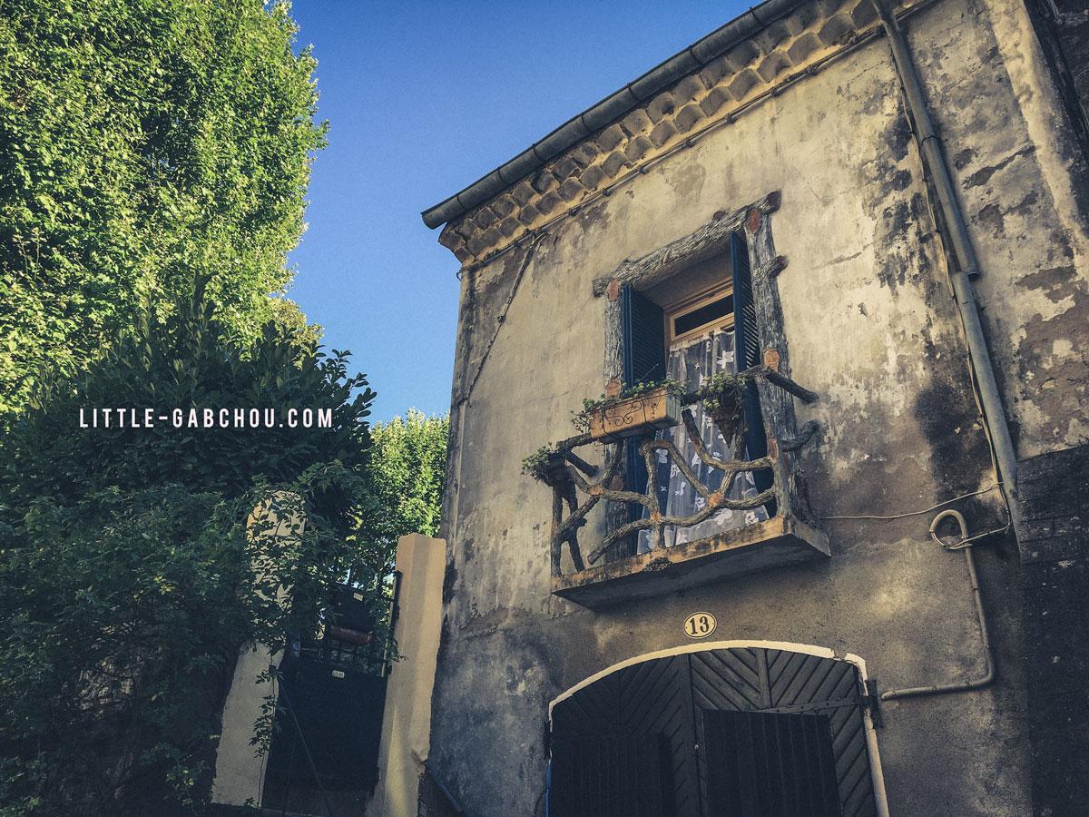 façades des maisons typiques du Sud de la France