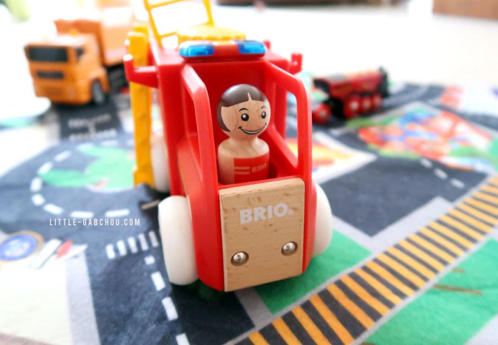 camion de pompiers Brio