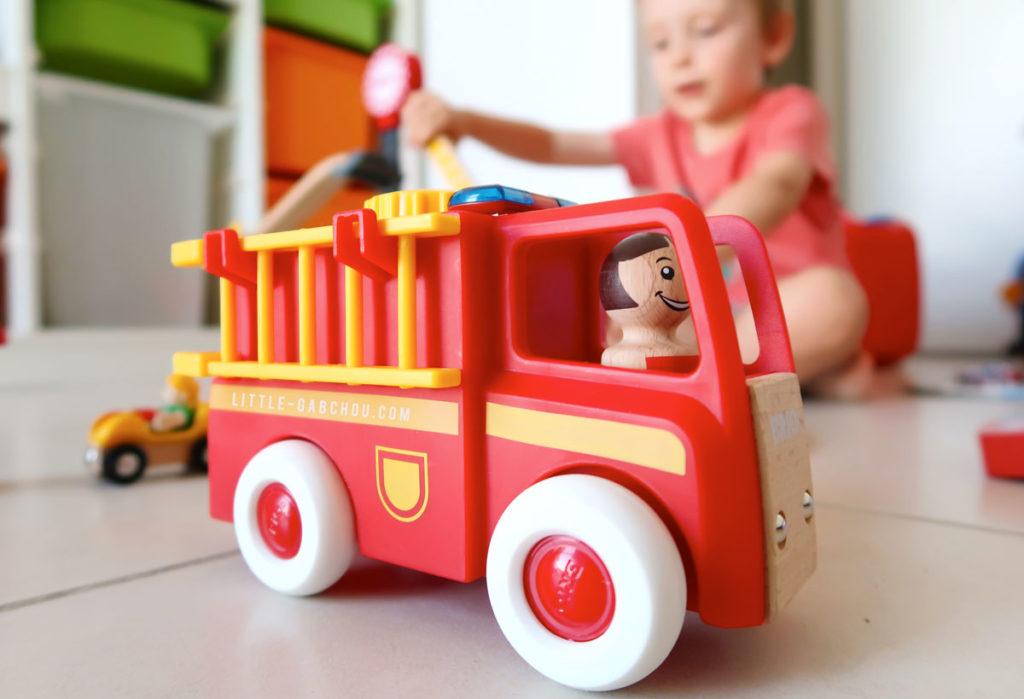 jouet camiuon de pompiers avec sirène Brio