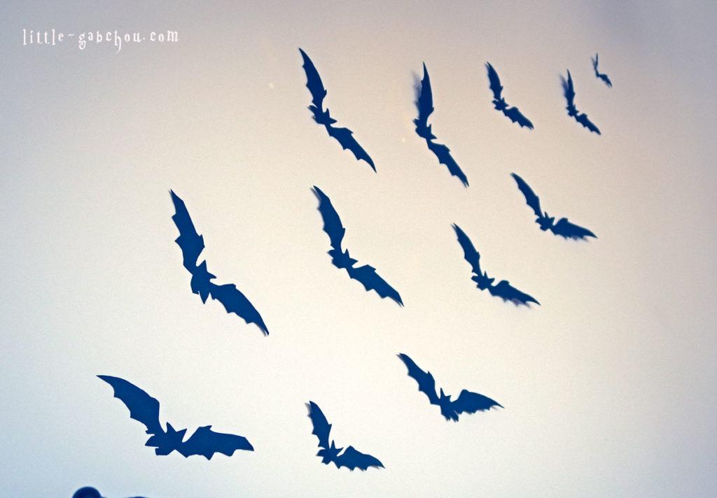 décoration d'Halloween envol de chauves-souris