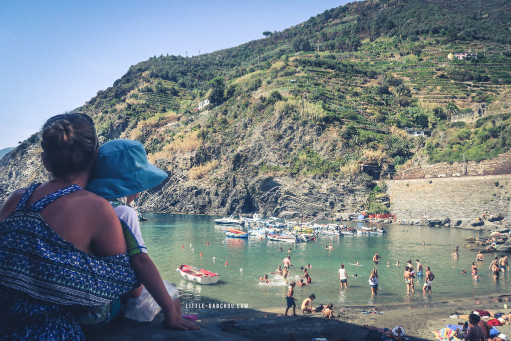 port et plage de vernazza dans les cinq terres