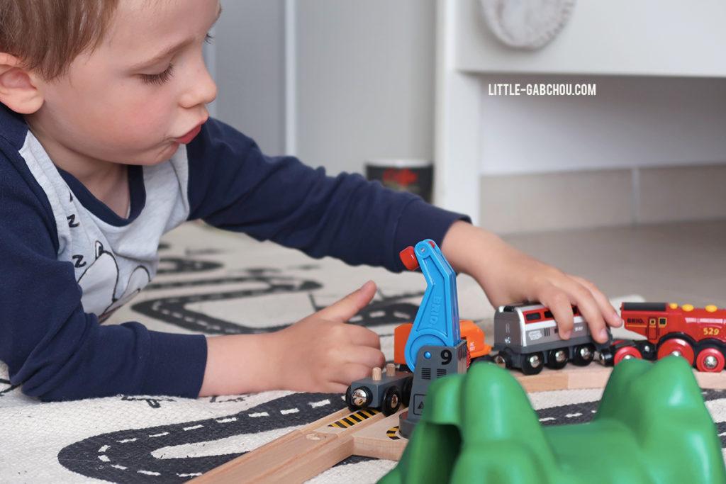 idée cadeau enfant circuit en bois Brio