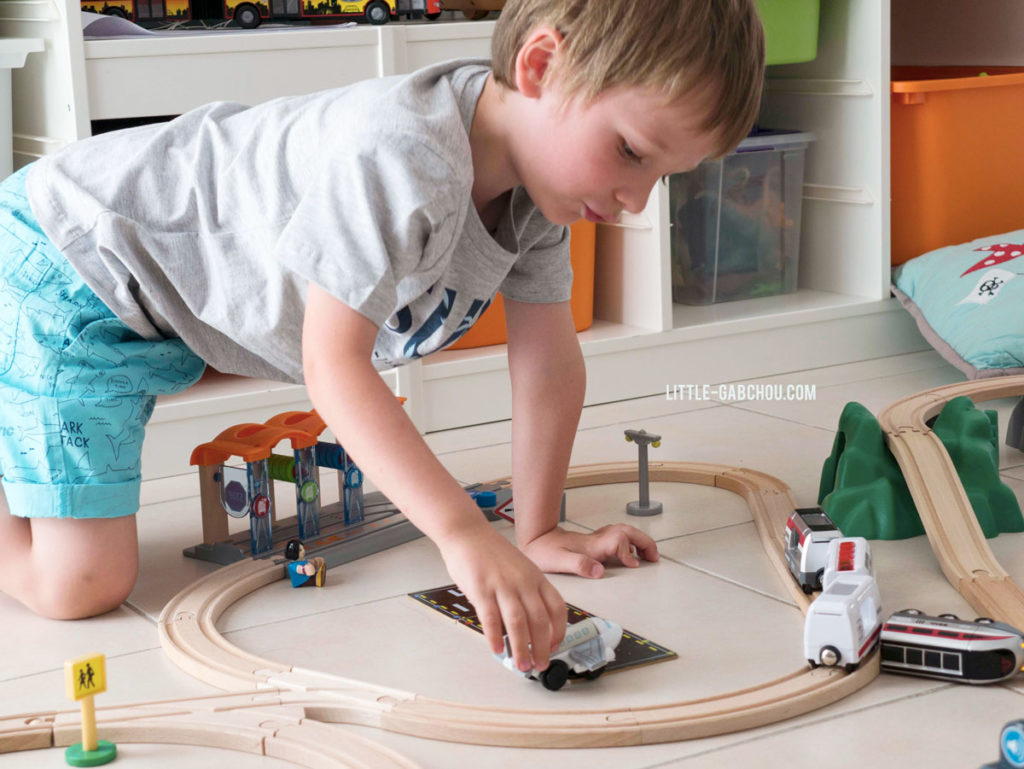 Brio smart tech avec locomotive intelligente