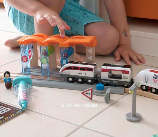 Locomotive et circuit intelligent de Brio Smart Tech