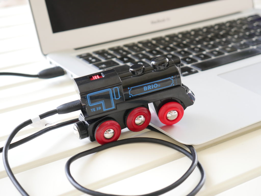 train jouet rechargeable en USB sans piles de Brio