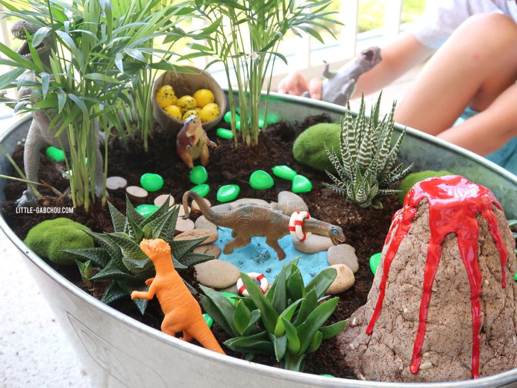 fairy garden for kids. Jardin miniature dinosaure à faire avec des enfants