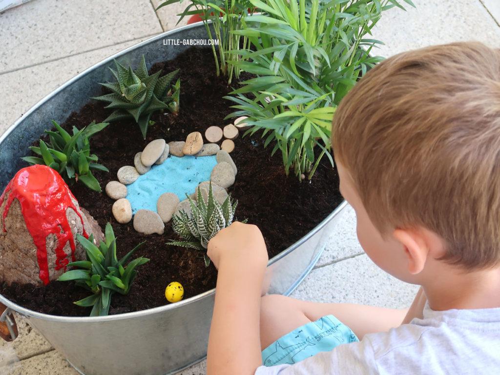 activité de jardinage avec les enfants le jardin miniature