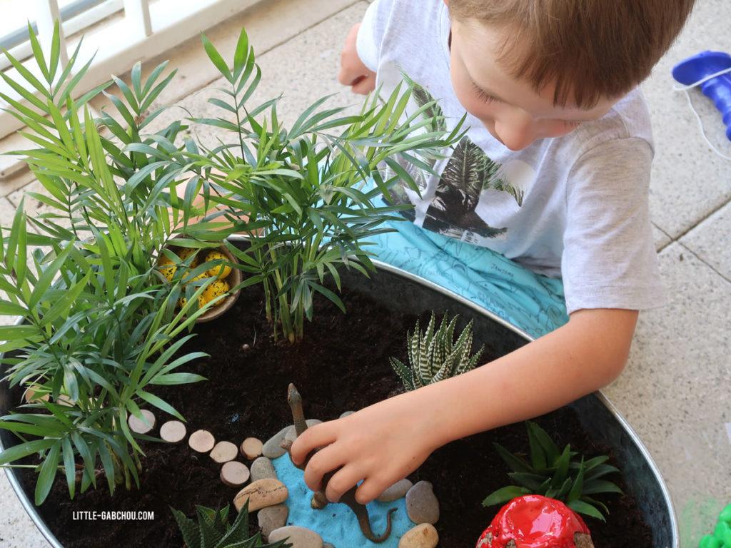 fairy garden sur le thème des dinosaures