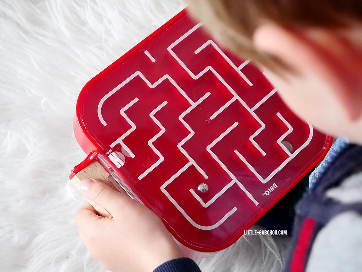 Test jeu de labyrinthe des petits idée cadeau Noël et anniversaires enfants