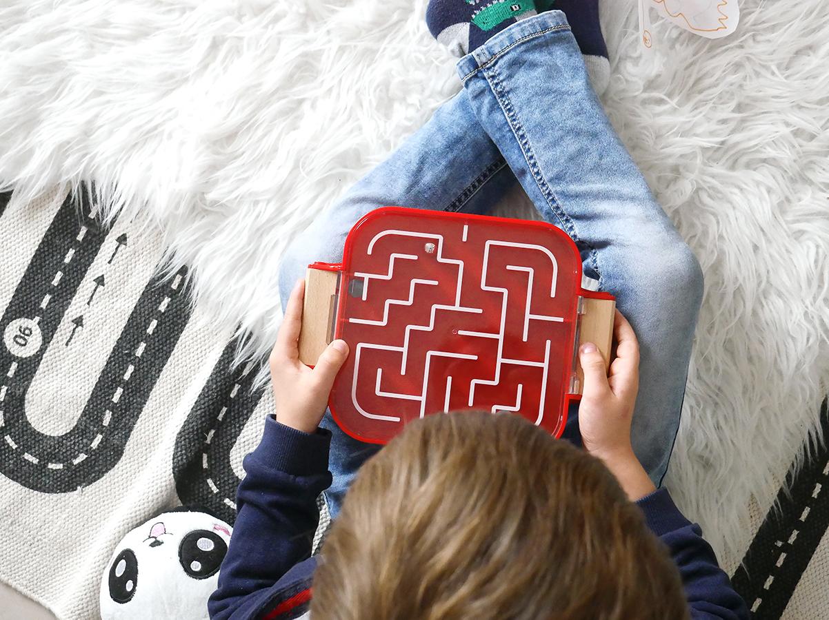 idée cadeau enfants 3 ans et plus avec le jeu de labyrinthe de Brio
