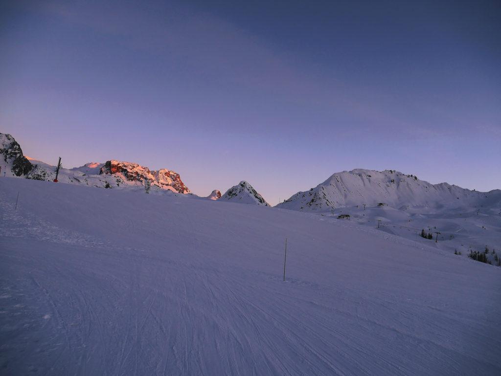 vacances au ski à la plagne en famille bon plans et activités