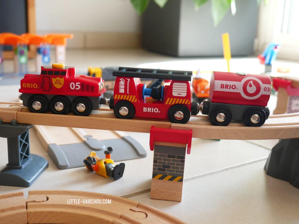 trains de pompiers circuits en bois Brio