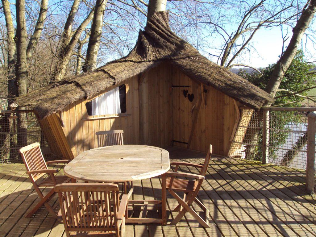 Cabane dans les arbres camping La Croix du Vieux Pont