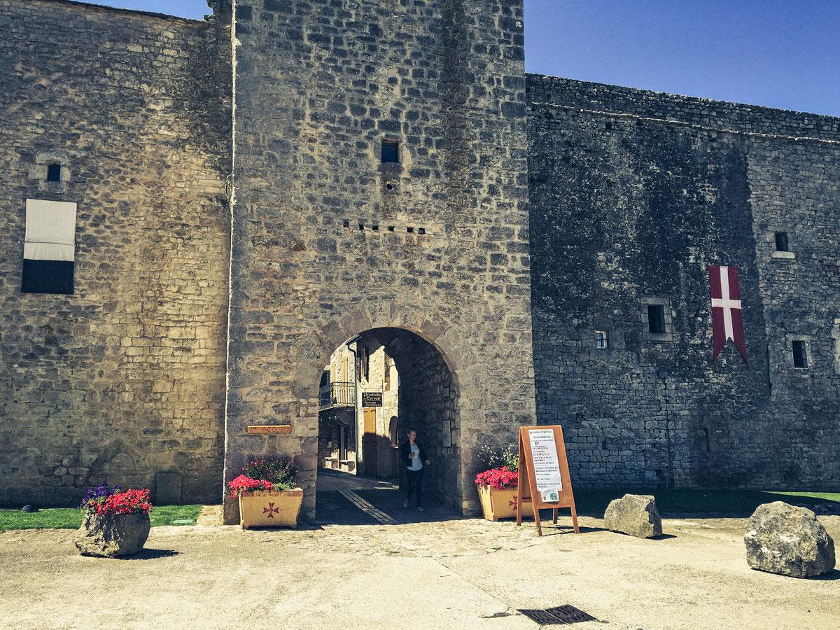 La Cavalerie village médiéval Aveyron Larzac