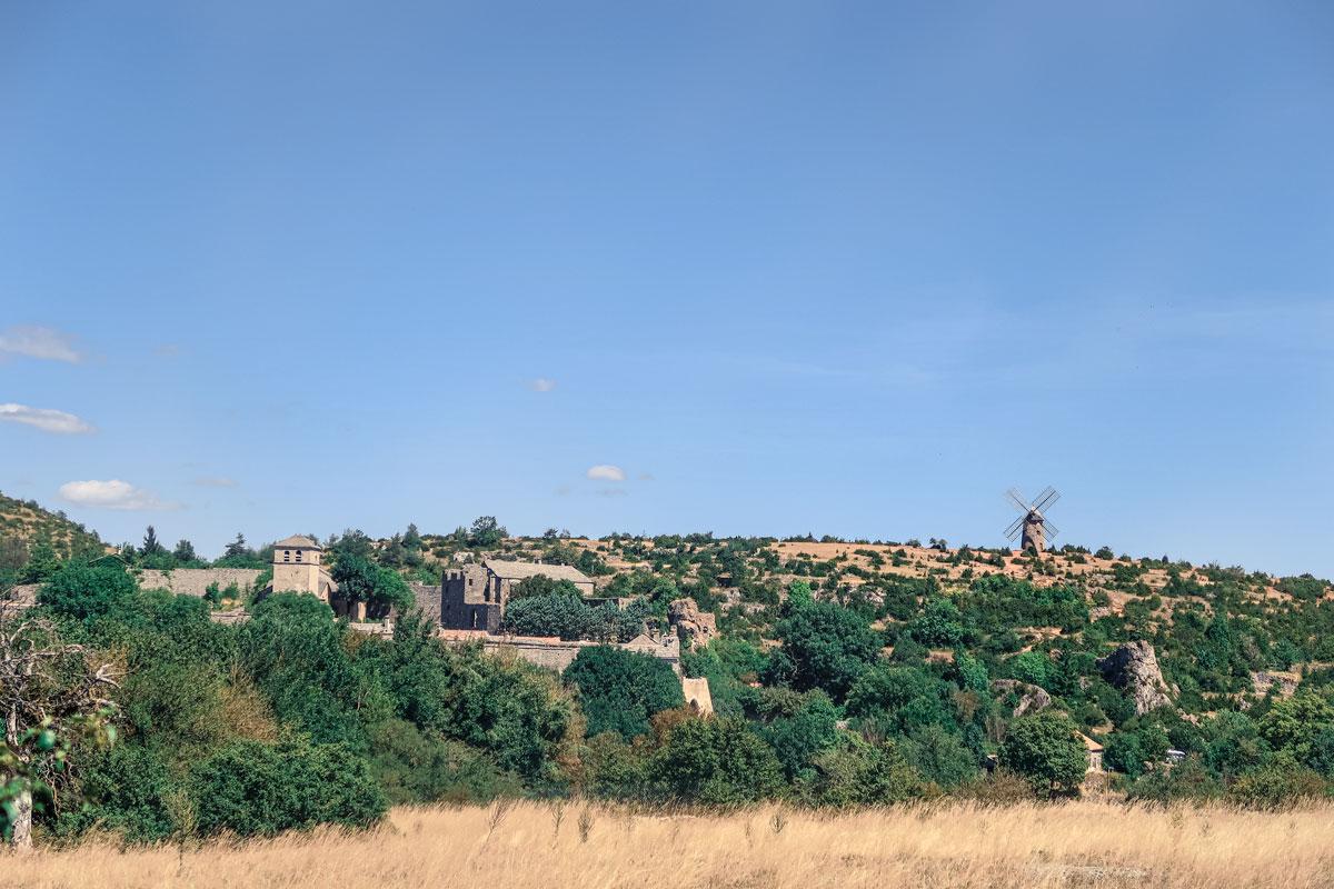 Plus beaux villages de France , la Couvertoirade dans le Larzac Aveyron