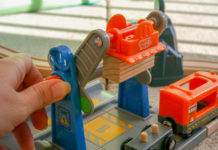 Nouveauté Brio Smart Tech avec la grue de chargement de marchandises