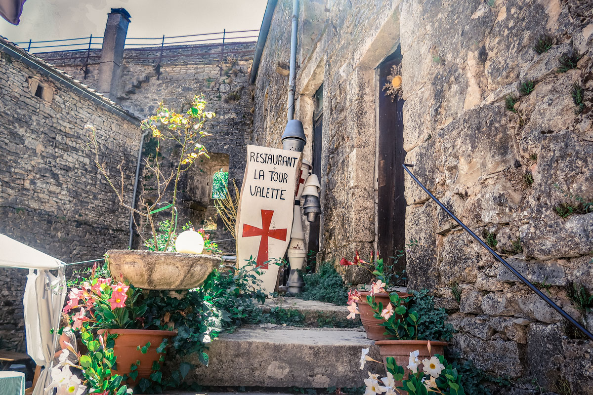 La Couvertoirade village classé médiéval à visiter dans le Larzac et Aveyron