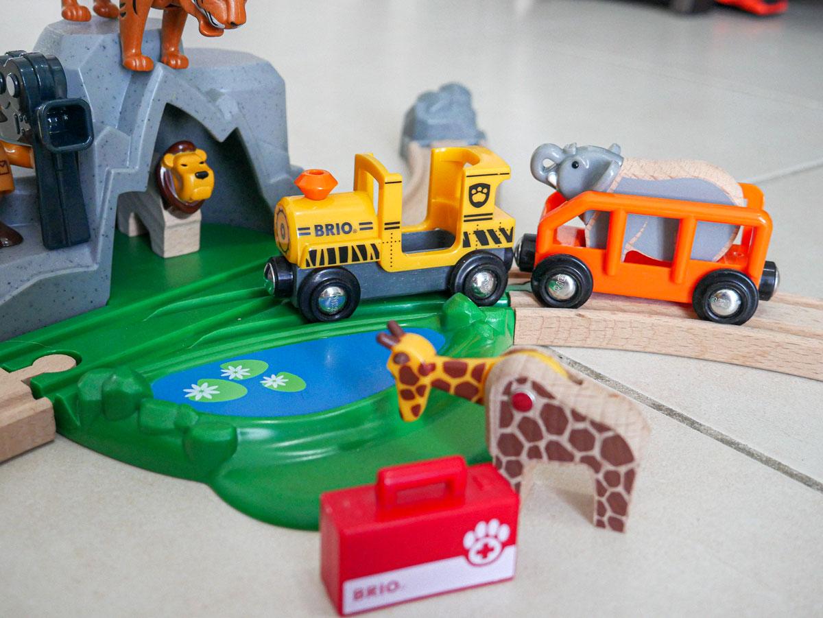 Circuit en bois sur le thème des animaux et de la savane idée cadeau enfant Brio