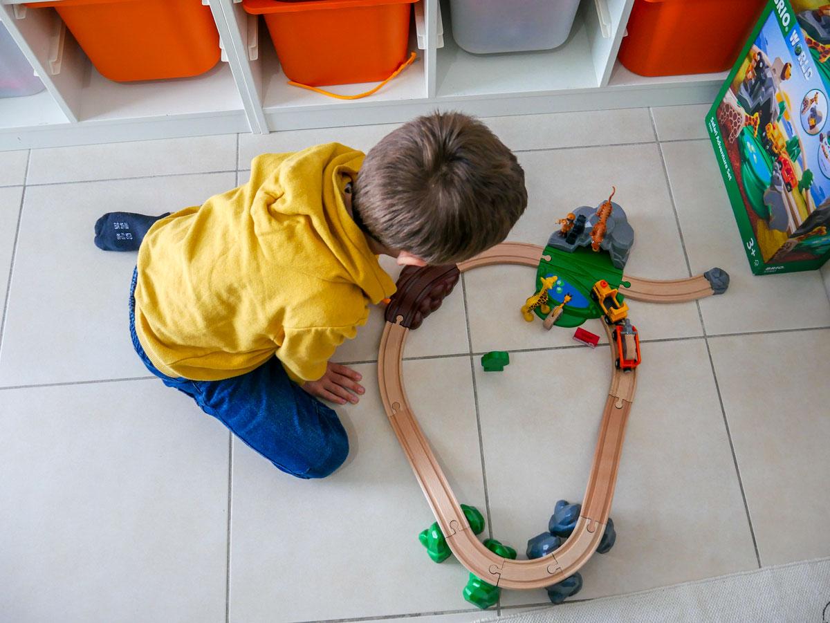 idée cadeau de Noël pour les enfants le circuit Brio sur le thème de la Savane