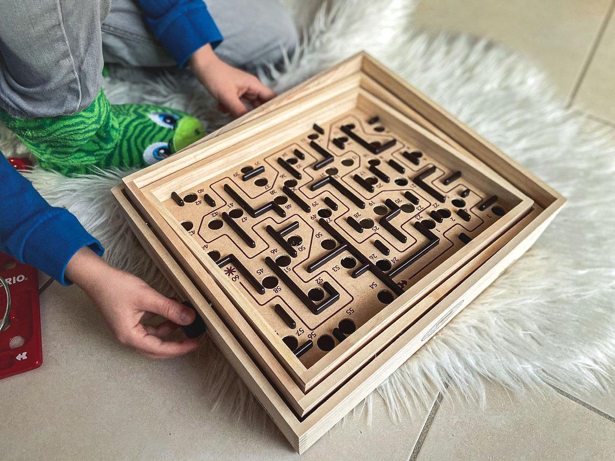 Jeu de labyrinthe de BRO idée jouet enfant 6 ans et plus