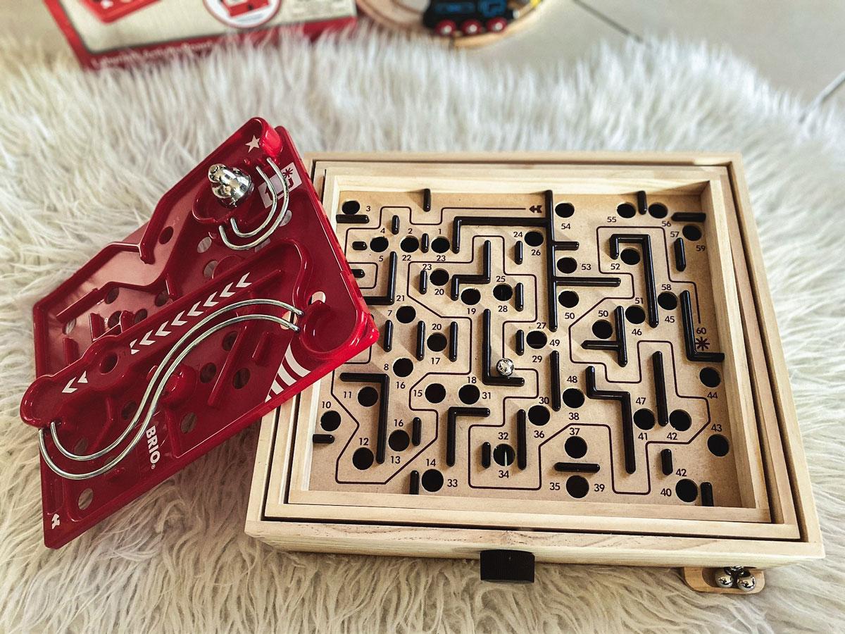 Jeu de labyrinthe classique Brio avec sa planchen 3D