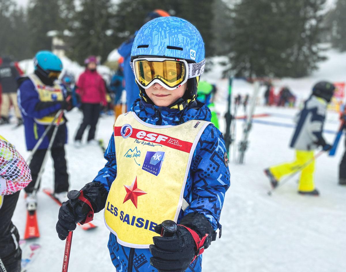 Equiper les enfants pour le ski en famille
