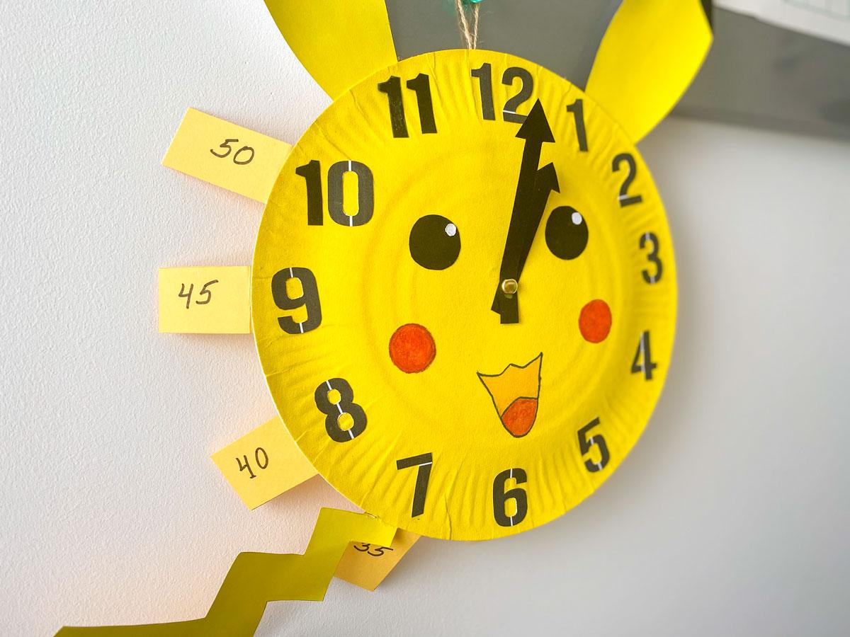 Créer une horloge ludique maison avec les enfants sur le thème des Pokémon