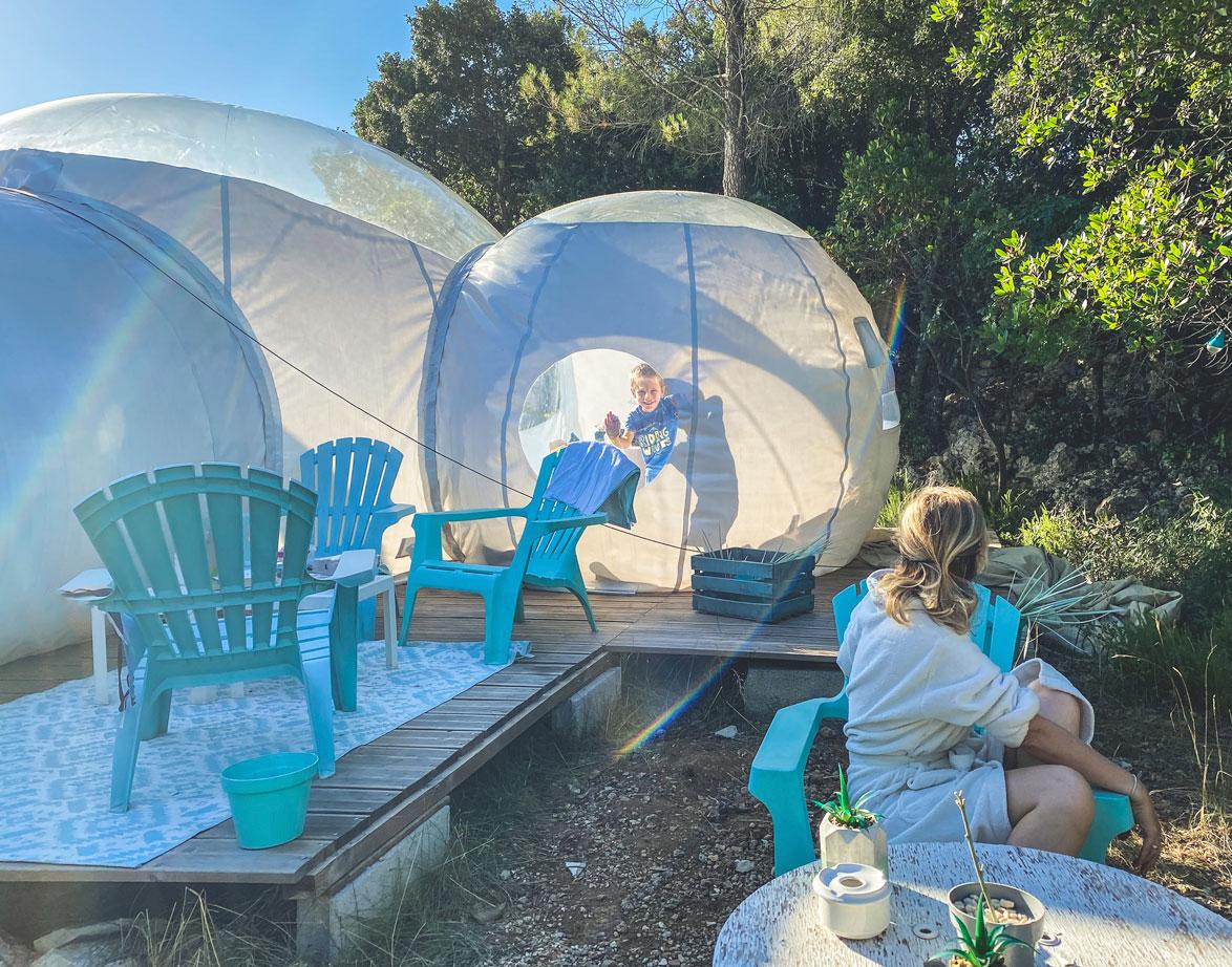 Nuit insolite en famille dans une bulle à l'Astronarium