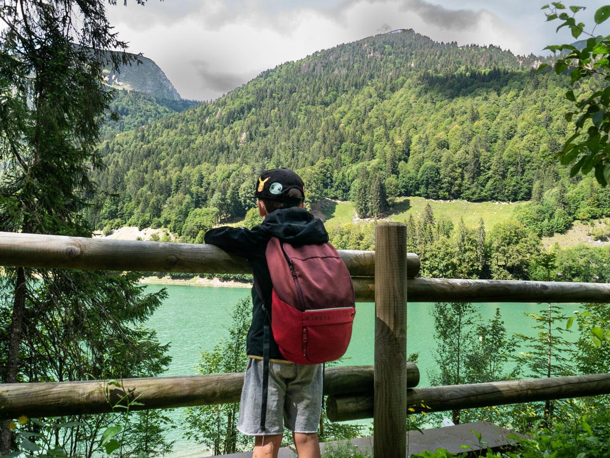 Randonnée en famille lac de Montriond dans la Haute Savoie