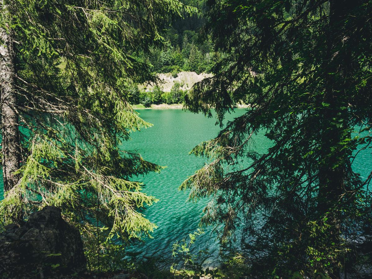 Le lac de Montriond, que faire et voir en été aux Gets et les alentours